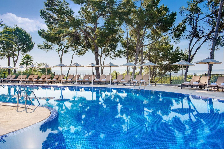 pmilc-swimming-pool-1046-hor-clsc.jpg
